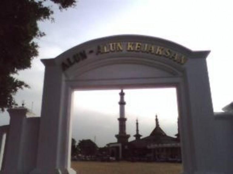 Tempat NYENYORE di Cirebon