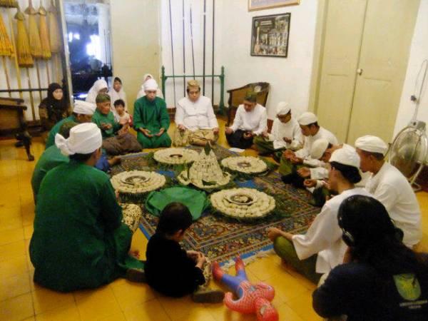 Tradisi Ngapem dan Tawurji di Keraton Kacirebonan