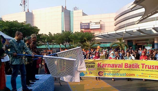 Karnaval Batik Trusmi Sejuta Pesona Indonesia Berlangsung Meriah