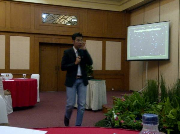 Peserta dari Jogjakarta Ikut Menimba Ilmu dari Ippho Santosa di Bentani Hotel