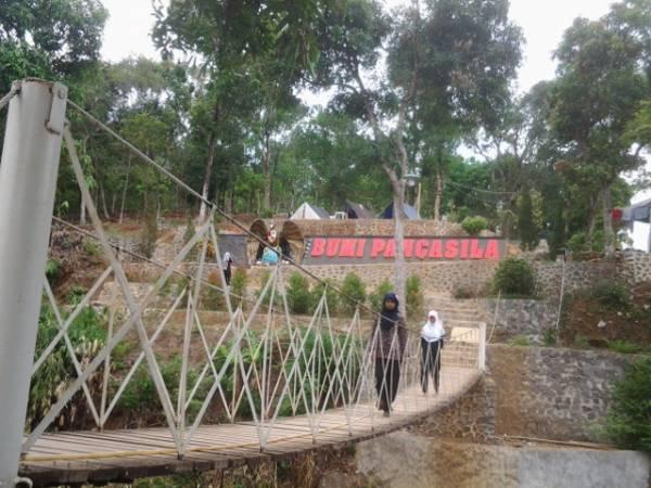 Wisata Alam Bumi Pancasila, Tempat Berkemah Nyaman di Cisaat Cirebon