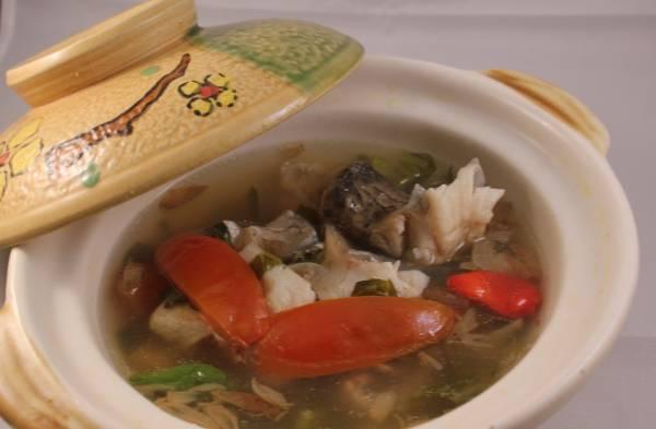 Nikmati Kesegaran Sup Ikan Gurame khas Hotel Santika Cirebon