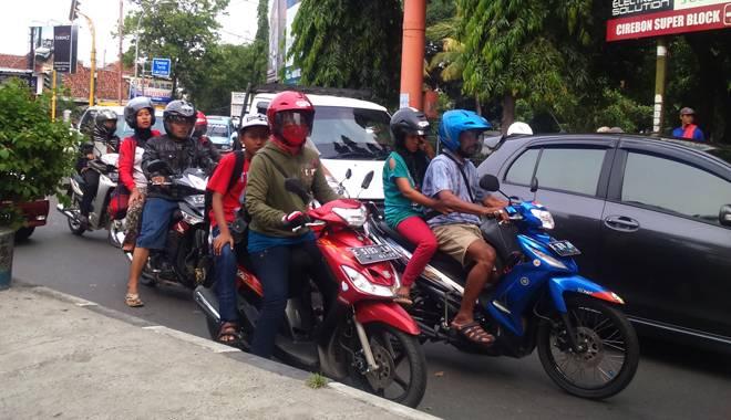Imbas One Way Jalan Kartini, Kemacetan Terjadi di Jalan Slamet Riyadi (Krucuk)