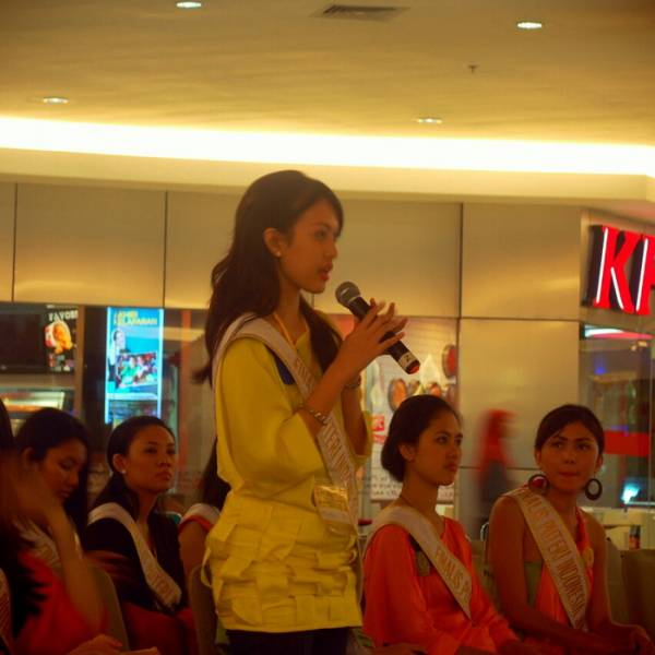 Para Finalis Puteri Indonesia Jabar 2013 Dibekali Pengetahuan tentang Social Media