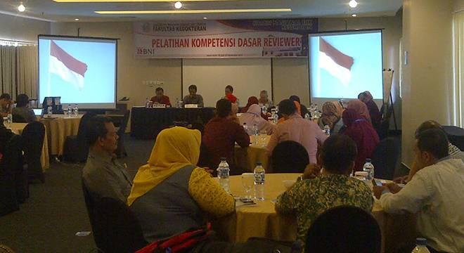 FK Unswagati Cirebon Gelar Pelatihan Kompetensi Dasar Review