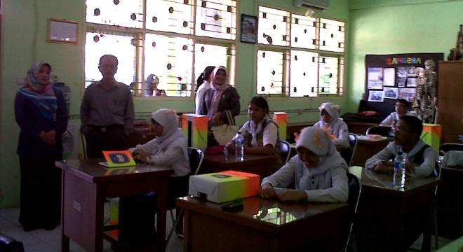 Disdik Serta DPRD Kota Cirebon Pantau Pelaksanaan MOSPDB di Beberapa Sekolah