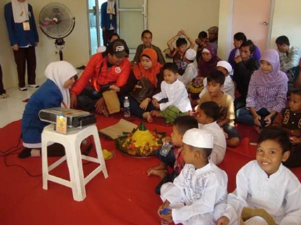 Poltekkes Kemenkes Tasikmalaya Wilayah Cirebon Gelar Donor Darah dan Khitanan Massal
