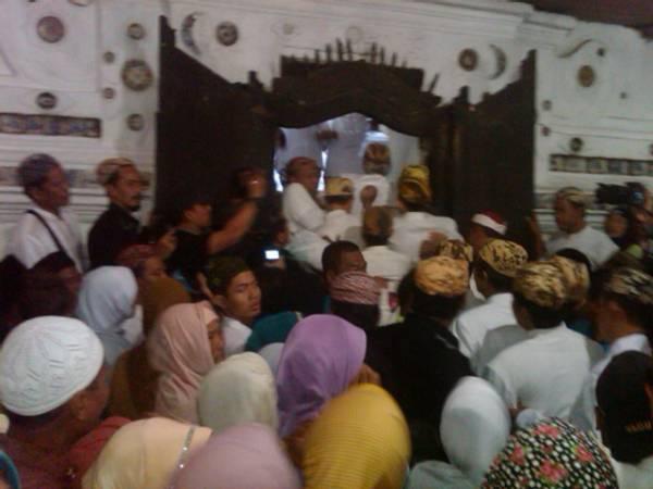Tradisi Grebeg Syawal di Cirebon Dipadati Warga