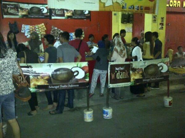 Menikmati Kuliner Malam di Jalan Lemahwungkuk