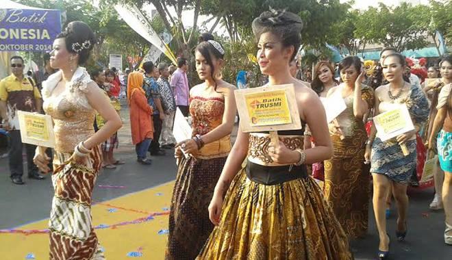 Melalui Karnaval Batik Diharapkan Masyarakat Akan Lebih Cinta Akan Batik