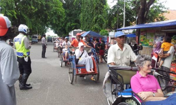 Ratusan Wisatawan Asing Berkunjung ke Cirebon