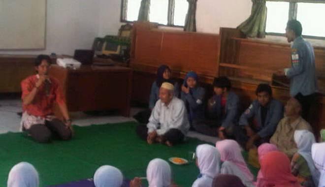 BEM FISIP Unswagati Cirebon Gelar Baksos di Yayasan Fajar Hidayah