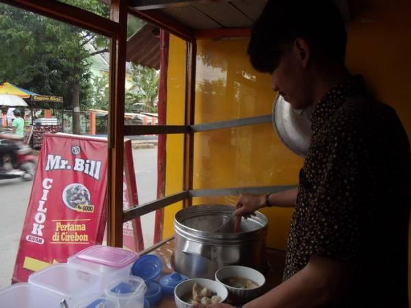 Mr. Bill Cilok Kuah, Paduan Otot Sapi dan Daging Ayam