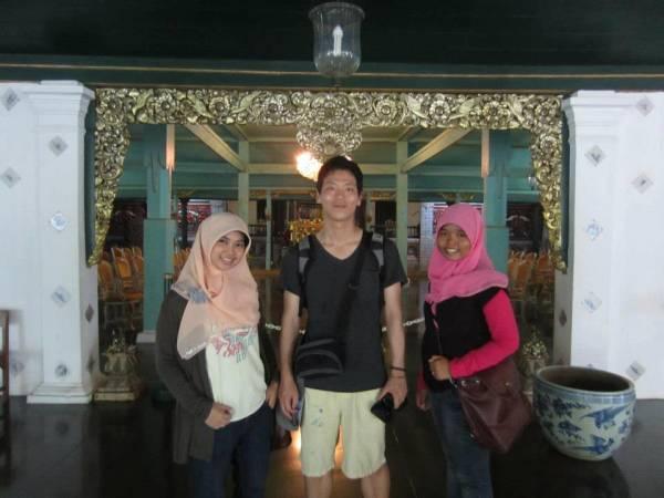 Mahasiswa Korea Berlibur ke Cirebon
