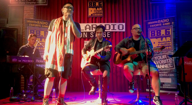 """Best Cuts Of Piyu"" Ramaikan Acara PilaRadio On Stage di Famouz Café Cirebon"