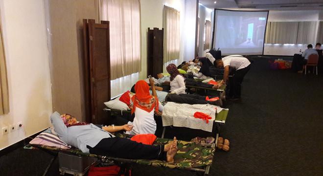 Sambut Ulang Tahun Ketiga, Aston Hotel Cirebon Gelar Donor Darah