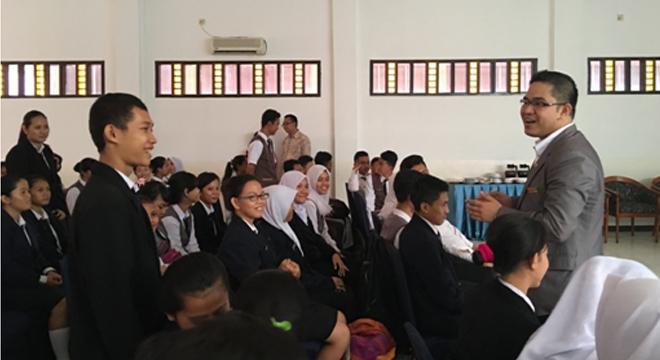 Dukung Pendidikan Perhotelan, Swiss-Belhotel Cirebon Goes to School