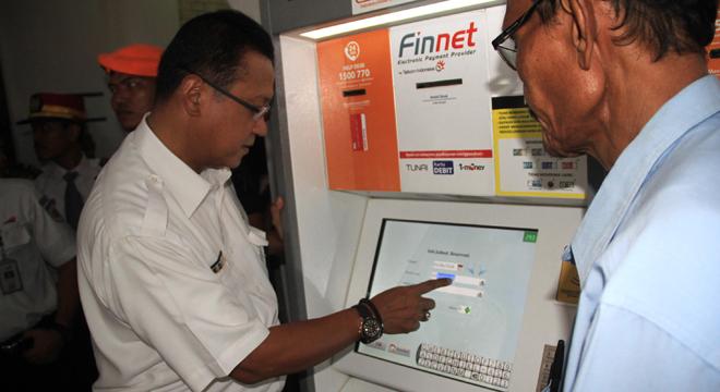 Dirut PT KAI Tinjau Persiapan Angkutan Lebaran di Stasiun Kejaksan Cirebon