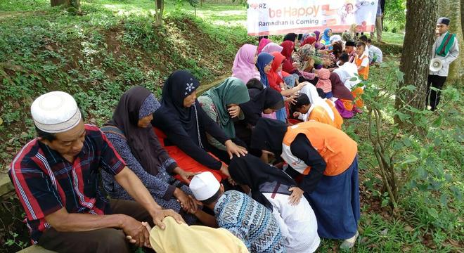 Rumah Zakat Cirebon Ajarkan Anak Berbakti Kepada Orang Tua