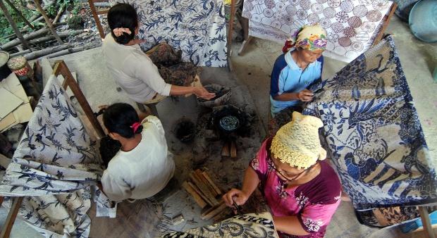 Industri Batik Diminta Bersaing Hadapi MEA
