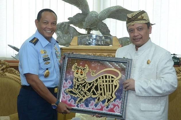 Sultan Sepuh XIV Minta Dukungan TNI AU, Untuk Apa?