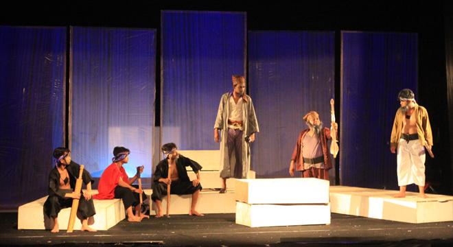 Tjaroeban Theater Gelar Pertunjukan Ki Bagus Rangin