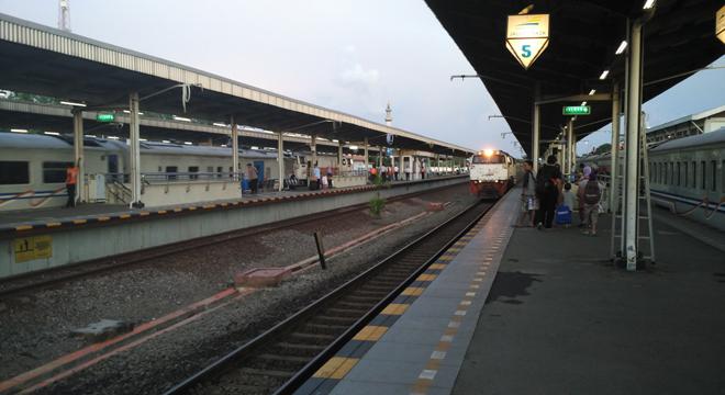 PT. KAI Siapkan 13 Kereta Api Tambahan Untuk Liburan Natal dan Tahun Baru