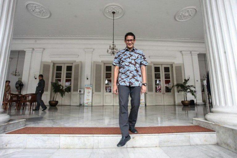Kontestan Pilgub DKI Gemari Batik Cirebon, Siapakah?
