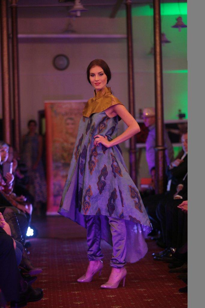 Publik Slovakia Terpikat Keindahan Batik Cirebon