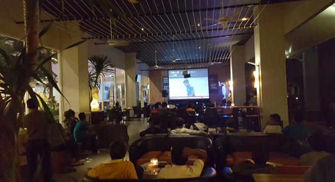Nobar Final Piala AFF 2016 yang Nyaman, Ya ke Aston Cirebon Aja