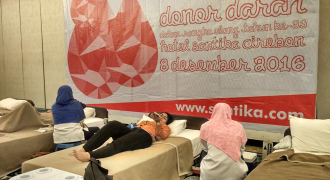 Hari Jadi ke-23, Hotel Santika Cirebon Gelar Donor Darah