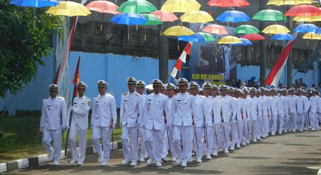 AKMI Suaka Bahari Cirebon Gelar Wisuda dan Pelantikan Taruna Angkatan ke-30