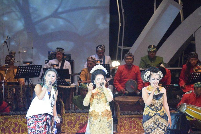 Kenalkan Musik Tradisi Cirebon, MeSTi Gelar Pertunjukan Simfoni Tarling