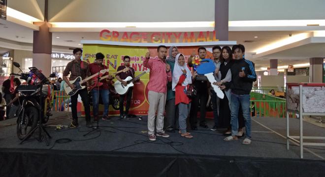 Warga Jawa Tengah Menangkan Hadiah Motor di Program Shop Eat and Win Grage City Mall