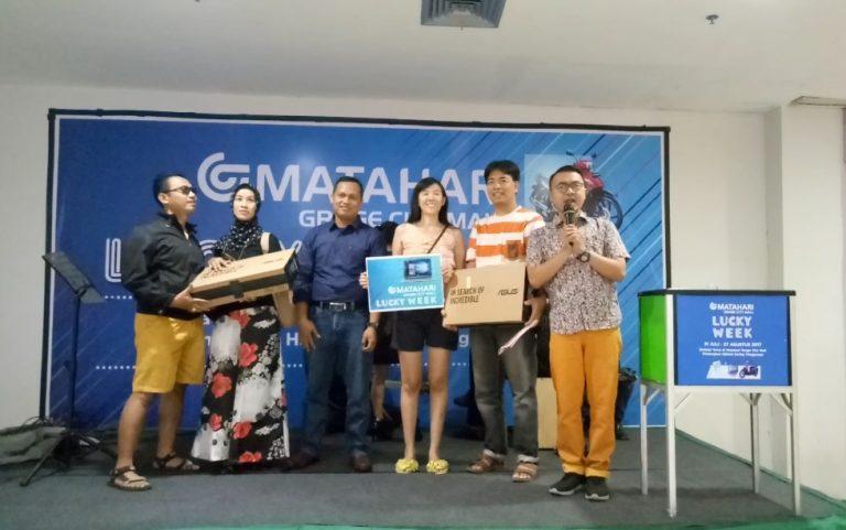 Warga Perum Cirebon Menangkan Hadiah Laptop di Program Matahari Grage City Mall