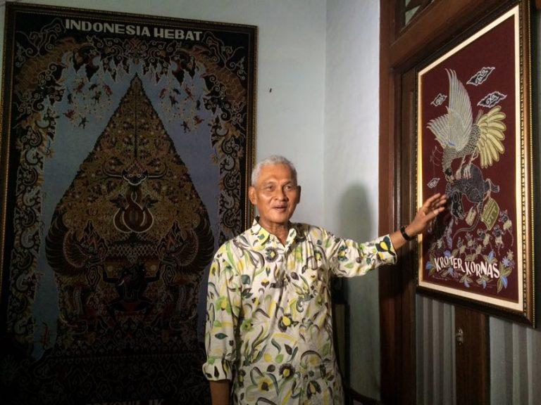 Maestro Batik Cirebon Kritik Koruptor Lewat Batik