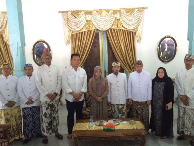 TB Hasanuddin Kunjungi Keraton Kanoman Cirebon