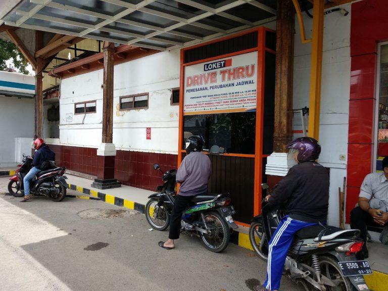 Beli Tiket KA di Stasiun ini Gak Harus Turun dari Kendaraan