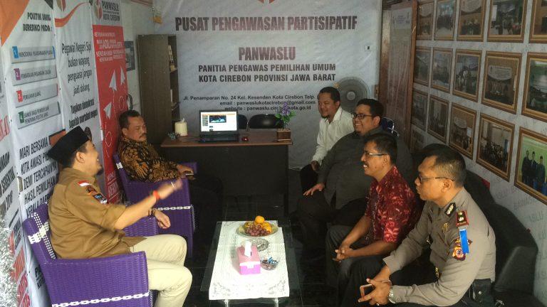 Panwaslu Kota Cirebon Resmikan Pojok Pengawasan