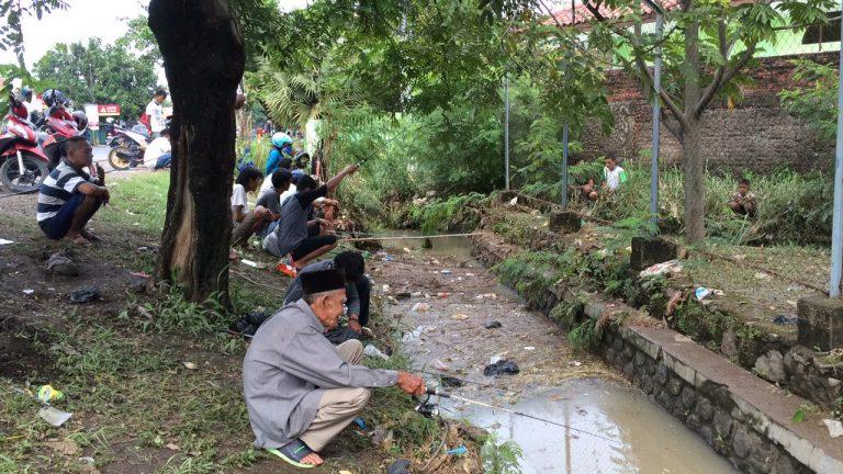 Ini yang Dilakukan Warga Cirebon Pasca Banjir Kemarin