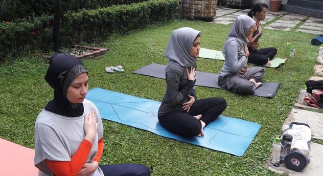 Yoga Charity Galang Dana Rutin Setiap Bulan