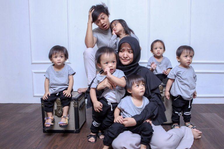 Kisah Lely Solihati ; Pintar Bagi Waktu untuk Anak Kembar Lima