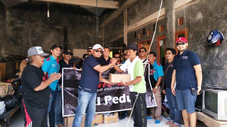 HR-V Club Indonesia Berikan Bantuan Kepada Korban Banjir di Ciledug Lor