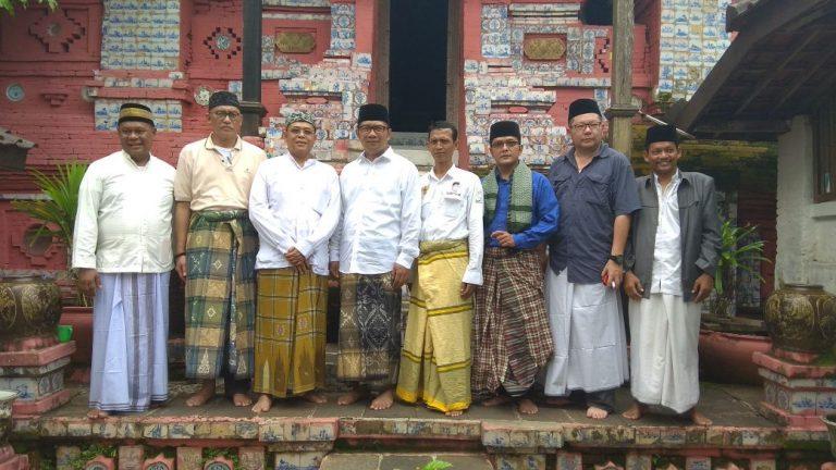 Kang Emil Kunjungi Makam Sunan Gunung Jati