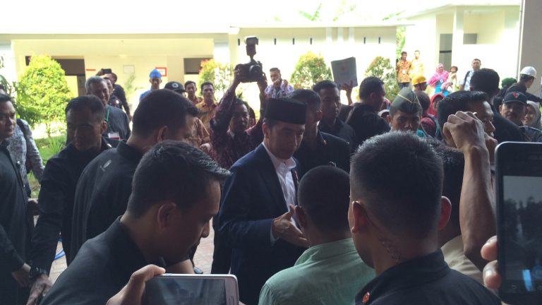 Ini Pesan Jokowi Kepada Penerima Sertifikat Tanah