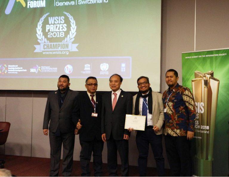 """Program CSR Telkomsel """"Baktiku Negeriku"""" Raih Predikat Juara Tingkat Dunia"""