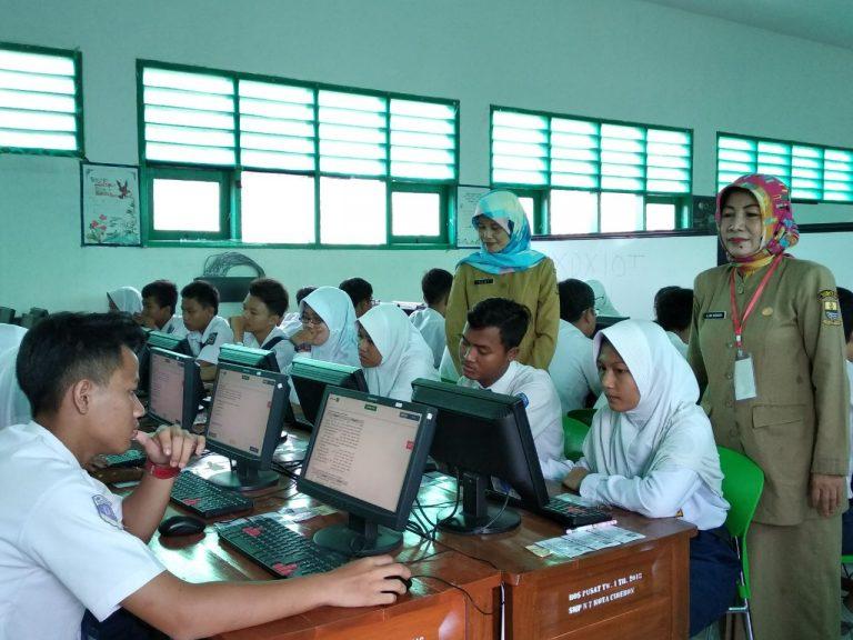 UNBK Hari Pertama SMPN 7 Kota Cirebon Berjalan Lancar