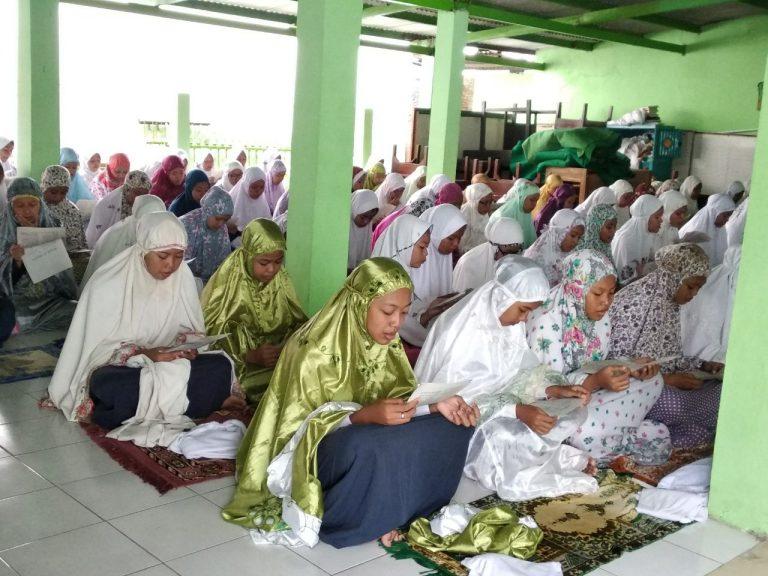 SMPN 8 Kota Cirebon Adakan Istighosah Jelang UNBK