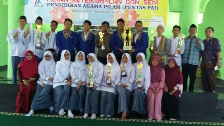 SMAN 2 Kota Cirebon Raih Juara Umum Pentas PAI 2018