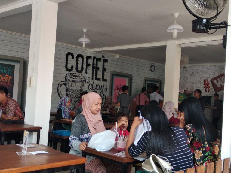#Wkwk Cafe Ramaikan Kuliner di Kota Cirebon